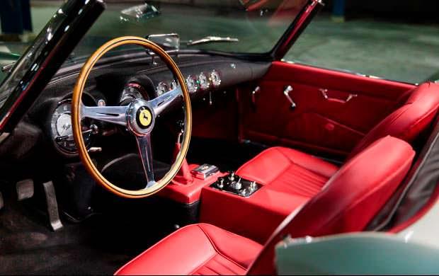 Красный кожаный салон Ferrari 250 GT Series I Cabriolet