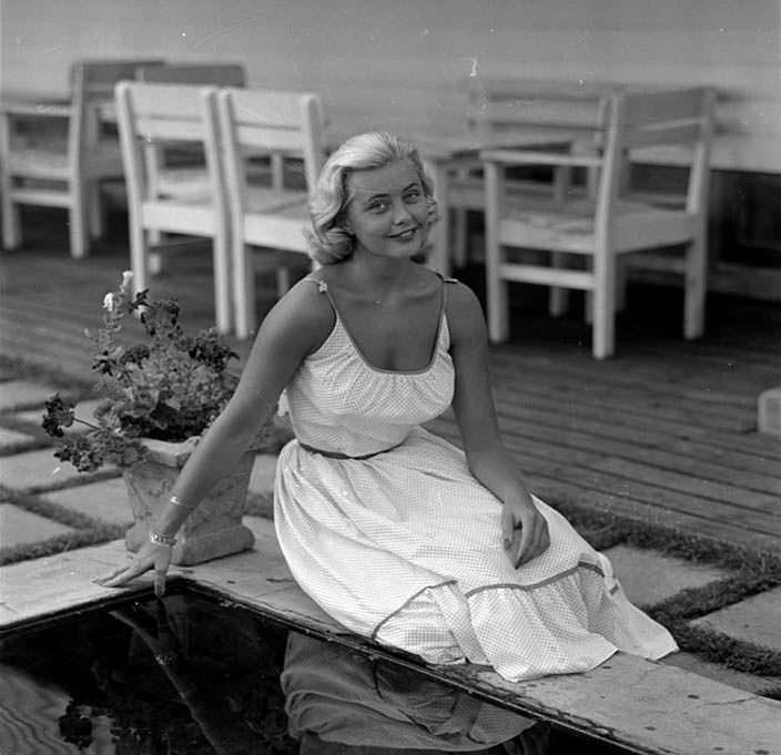 Хиллеви Ромбин - 1-я Мисс Швеция 1955