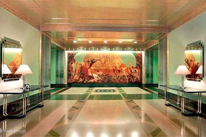 Холл здания El Dorado в Нью-Йорке
