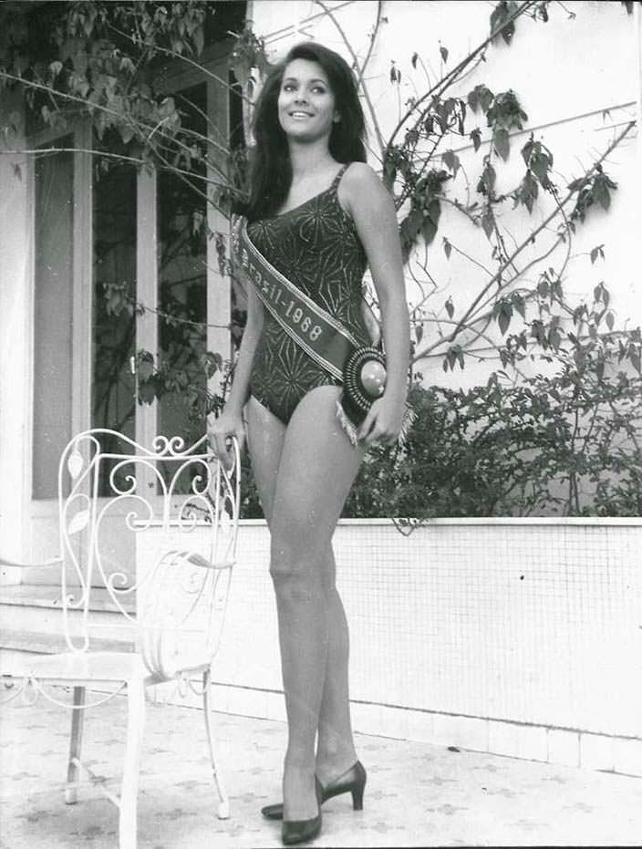 Марта Васконселлос - 17-я Мисс Вселенная