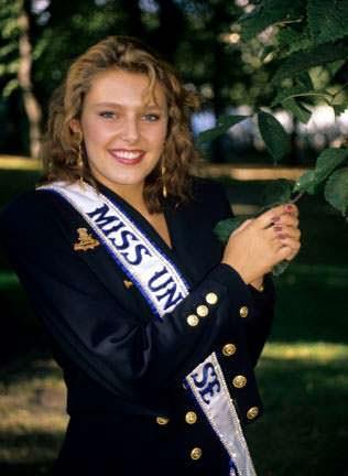 Мона Грудт - Мисс Норвегия 1990