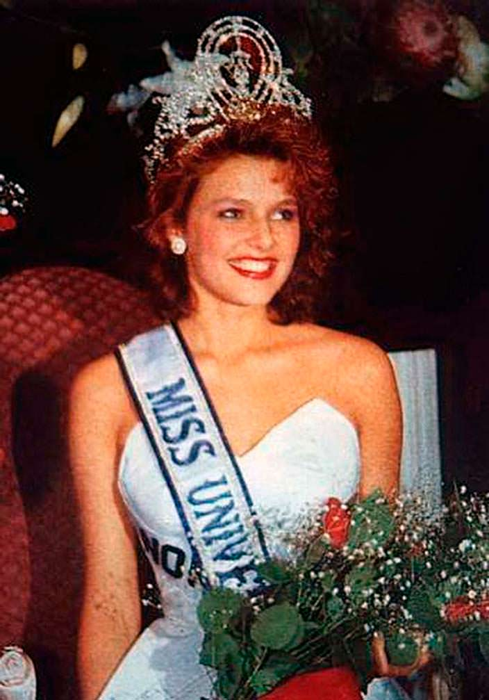 Мона Грудт - 39-я Мисс Вселенная