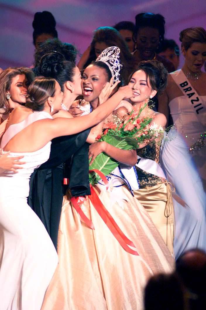 Мпуле Квелагобе - Мисс Вселенная 1999