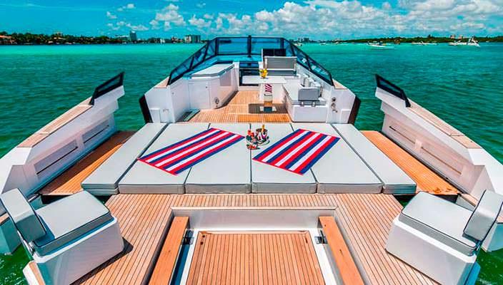 Трансформируемая палуба катера Evo 43 HT от WA Yachts