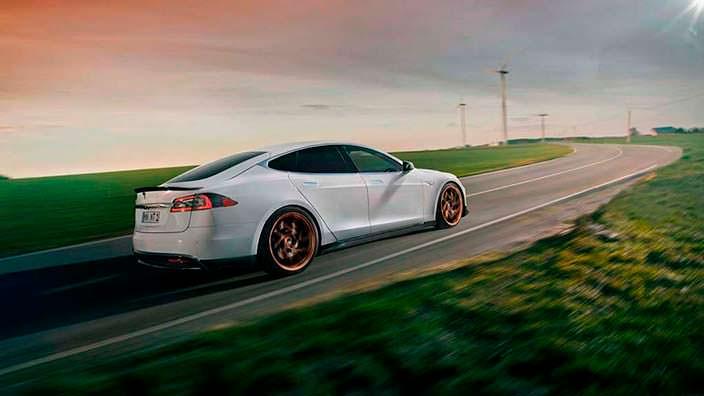 Карбоновый тюнинг Tesla Model S от Novitec