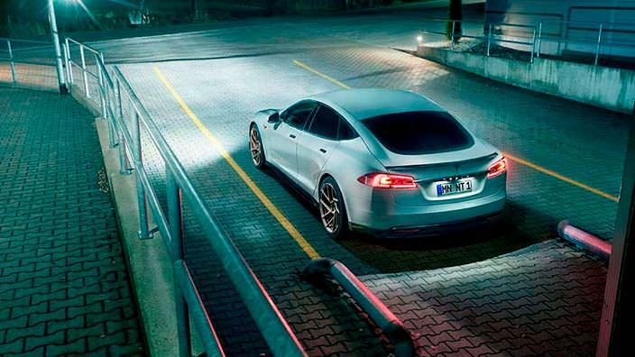Электромобиль Tesla Model S. Тюнинг от Novitec