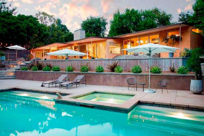 Вилла с собственным бассейном в Калифорнии