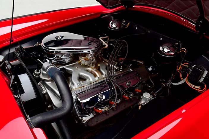 Двигатель V8 Red Ram на 3,9-литра в Plymouth Belmont