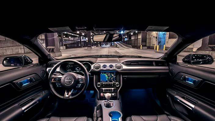 Фото внутри Ford Mustang Bullitt 2019
