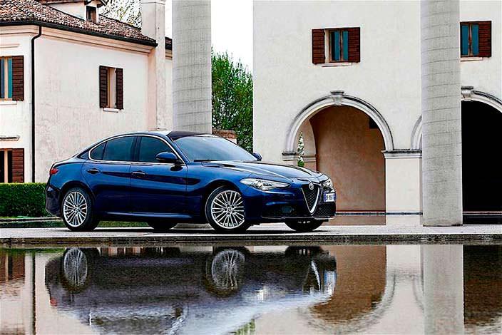 Alfa Romeo Giulia. Лучший автомобиль 2018 года