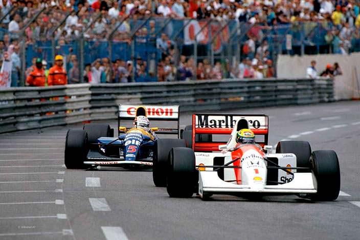 Болид Формулы 1 McLaren MP4/8A Айртона Сенны