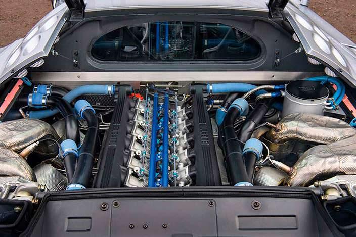 Двигатель 3,5-литра V12 под капотом Bugatti EB110 SS Prototype