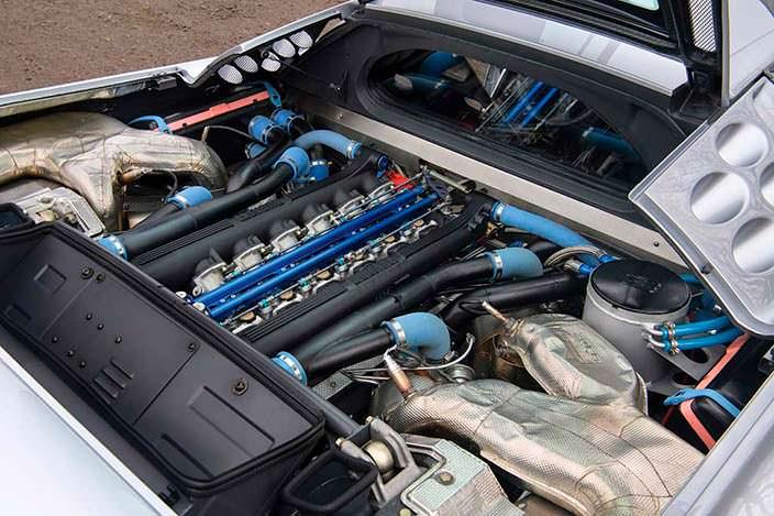 Мотор на 604 л.с. под капотом Bugatti EB110 SS Prototype