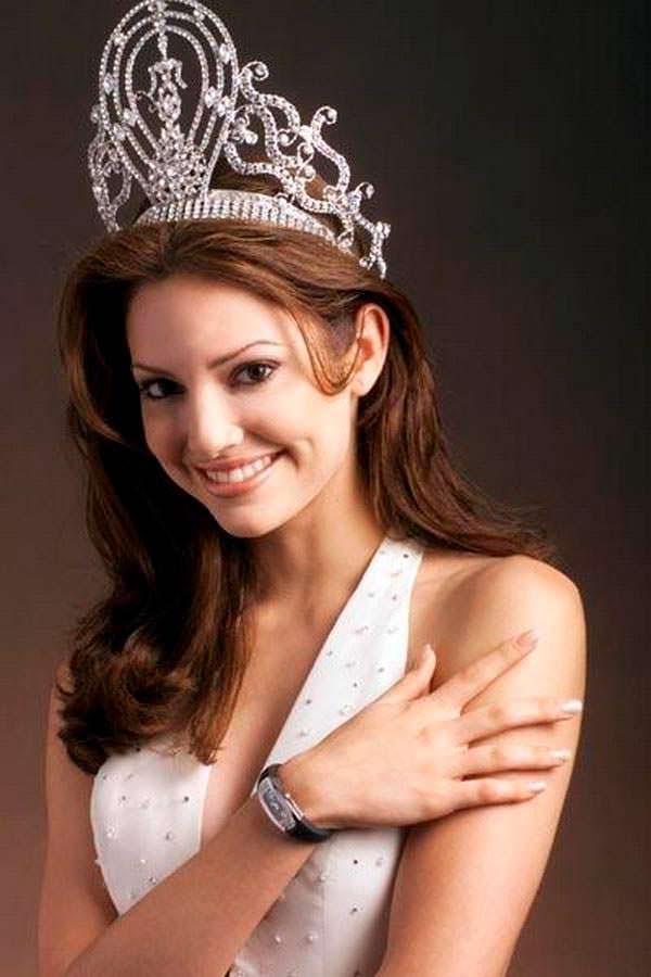 Дениз Киньонес - 50-я Мисс Вселенная