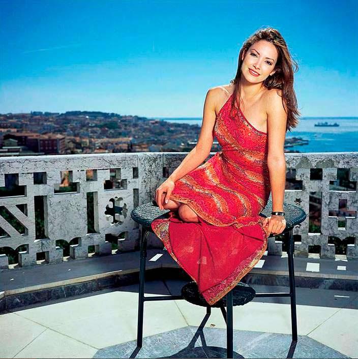 Дениз Киньонес - Мисс Пуэрто-Рико 2001