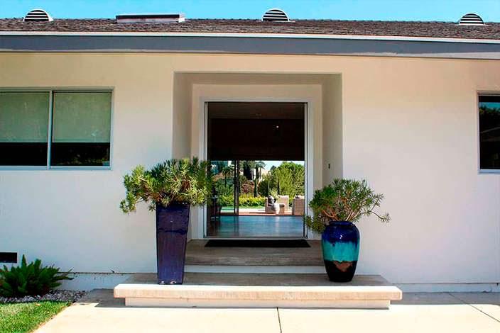 Недвижимость Джоша Дюамеля в Энсино, Калифорния