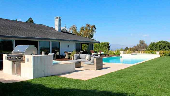 Актер Джош Дюамель купил дом с бассейном в Энсино | фото, цена