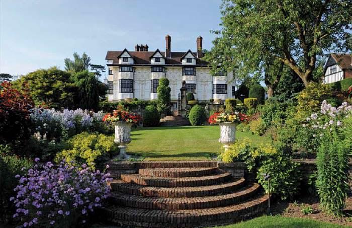 Дом Рода Стюарта в графстве Эссекс, Англия