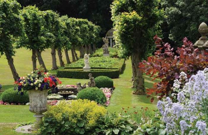Сад в поместье Рода Стюарта