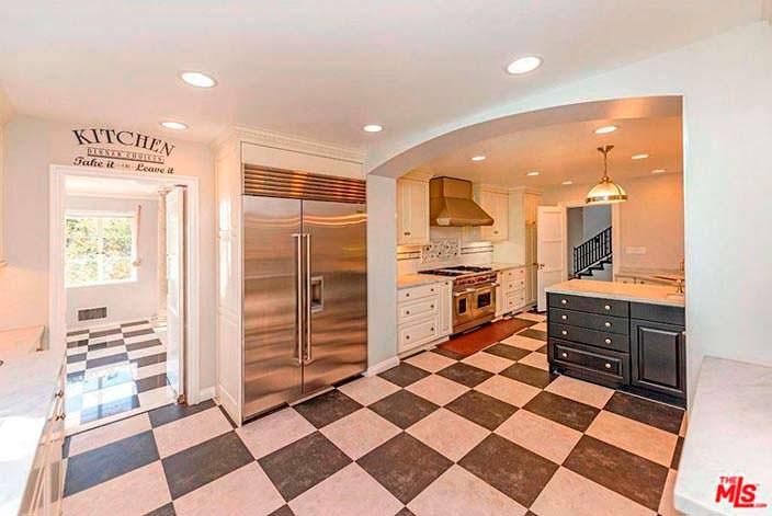 Обновлённая кухня в доме