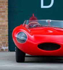 Jaguar D-Type 1956 года продадут за $10 млн | фото