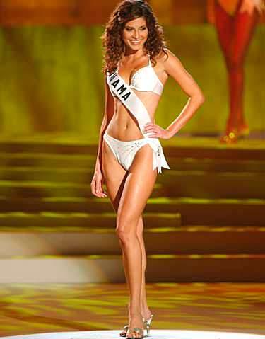 Фото | Мисс Вселенная 2002 в нижнем белье
