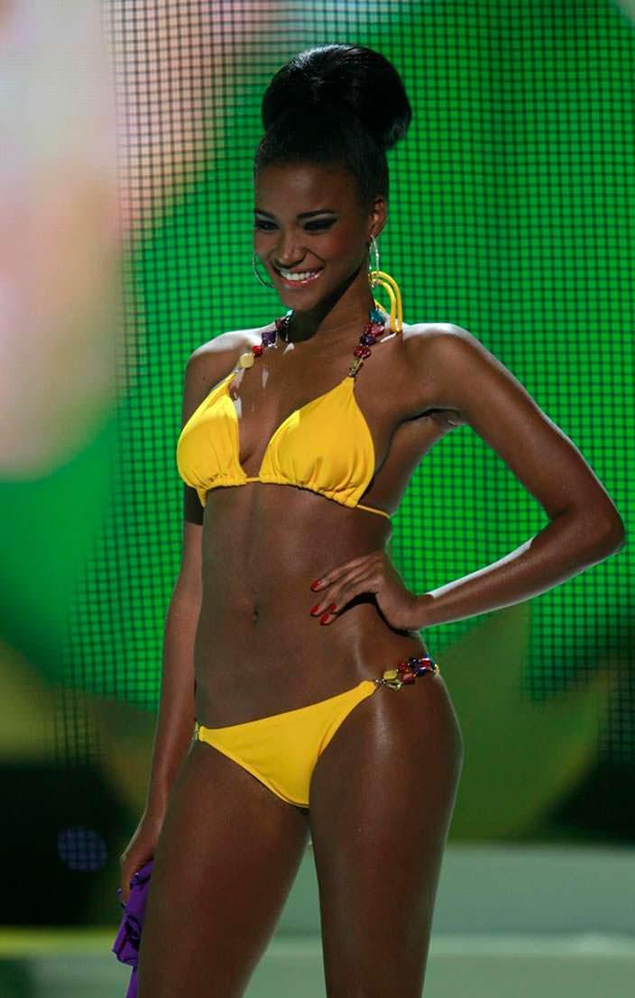 Фото | Мисс Вселенная 2011 в купальнике