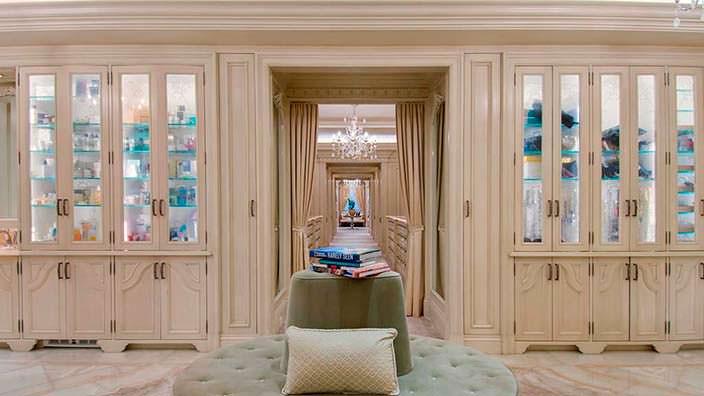 Гардеробная комната миллиардера Томаса Тулла