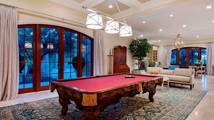 Бильярдный зал дома у миллиардера Томаса Тулла