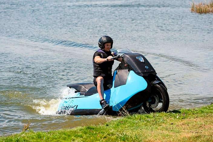 Biski - мотоцикл, на котором можно плавать