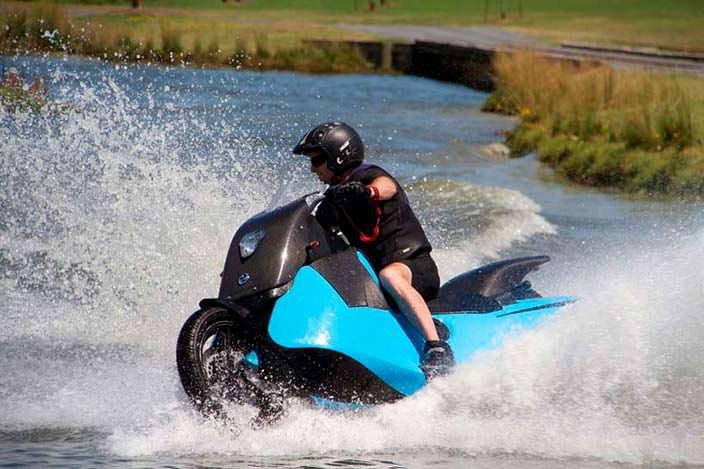 Мотоцикл Biski: трансформация в гидроцикл за 5 секунд