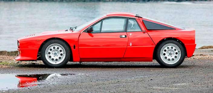Красная Lancia 037 Stradale