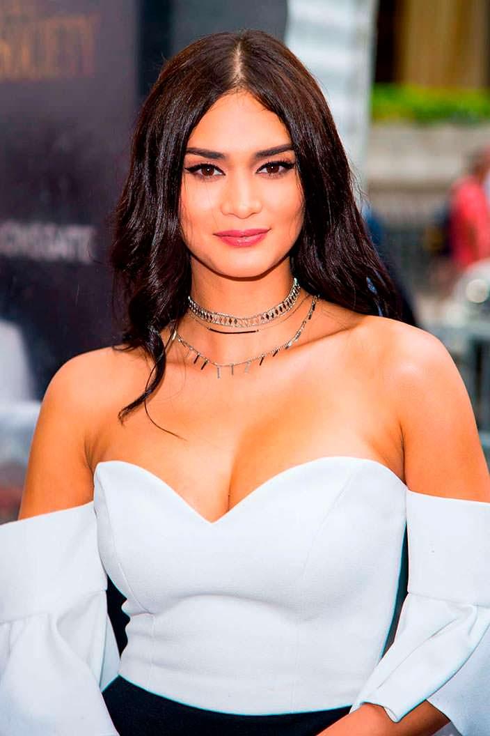 Филиппинская модель Пиа Алонсо Вуртцбах