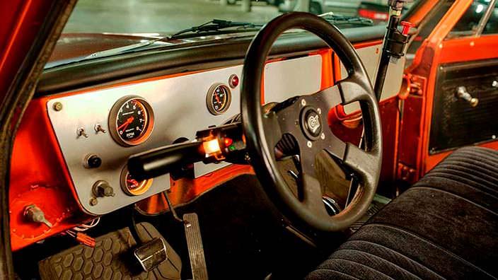 Фото салона Chevrolet C-10 1967 года выпуска