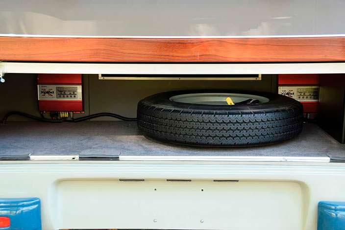 Запасное колесо Mercedes-Benz O 319