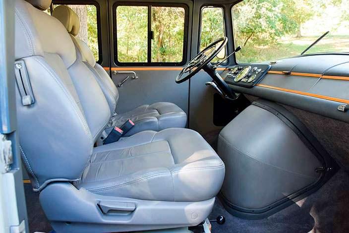 Кожаные сиденья Mercedes-Benz O 319 1959 года