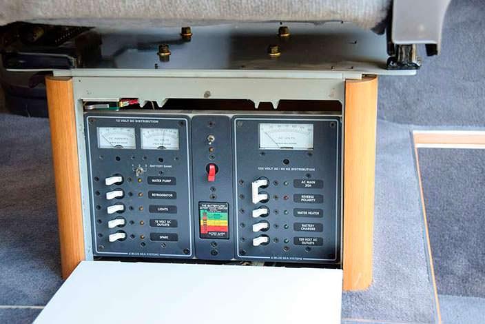 Централизованная панель выключателей в Mercedes-Benz O 319