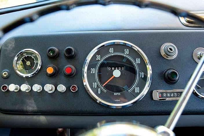 Приборная панель Mercedes-Benz O 319