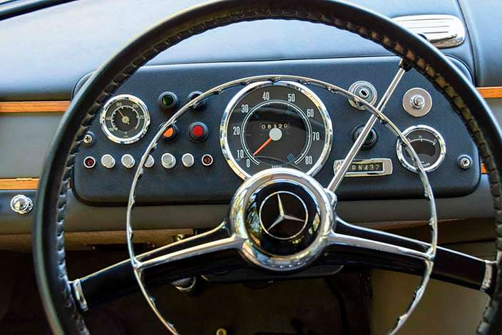 Классический интерьер Mercedes-Benz O 319