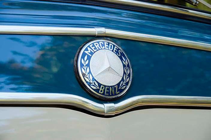 Логотип Mercedes-Benz O 319