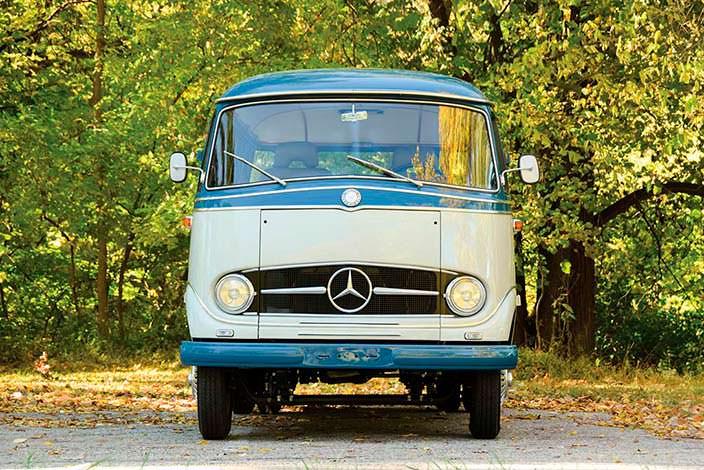 Ретро-кемпер Mercedes-Benz O 319 1959 года выпуска