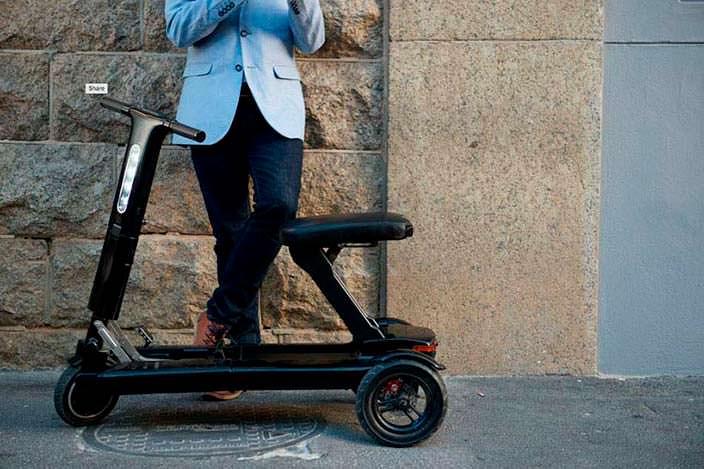 Складной электрический скутер Relync R1 размером с дорожную сумку