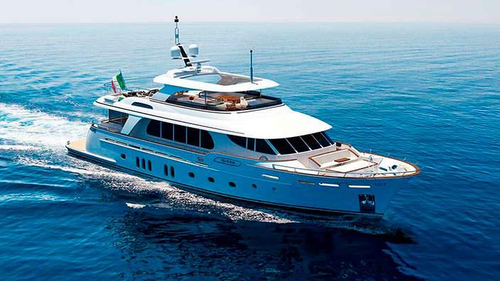 Итальянская яхта Fuoriserie от CCN. Длина 31 метр