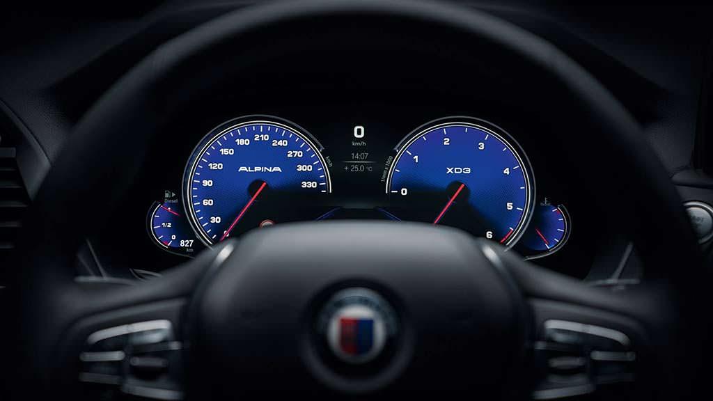 Руль и приборная панель в BMW Alpina XD3 2018