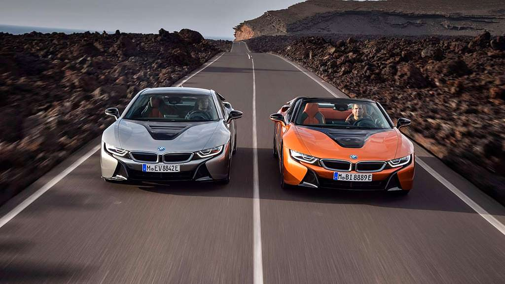 BMW i8 Roadster на $19 900 дороже BMW i8