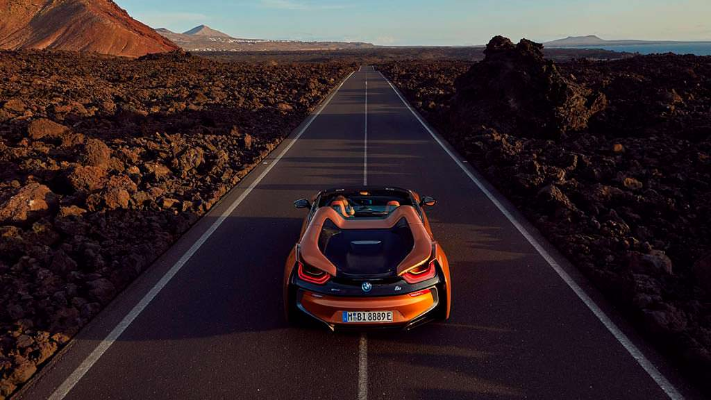 BMW i8 Roadster: цена от $163 300