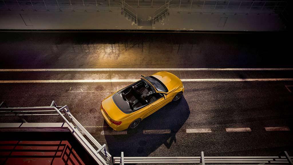 Кабриолет BMW M4 Convertible Edition 30 Jahre в честь 30-летия