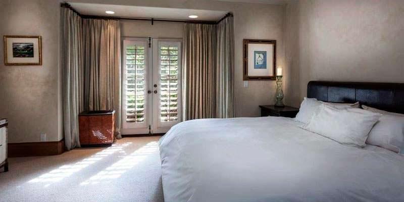 Дизайн спальни в доме кинозвезды