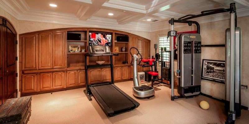 Оборудованный домашний спортзал