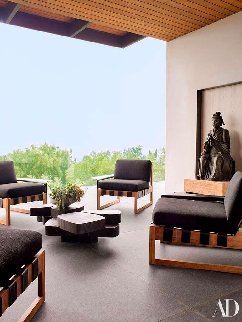 Терраса с панорамным видом в доме знаменитости